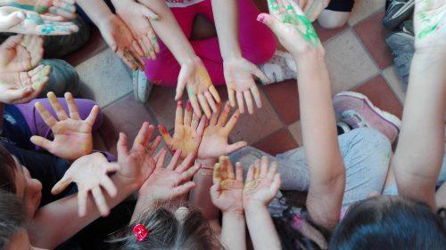 h prato fiorito mani (2)